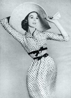 Suzy Parker by Richard Avedon, #topVintage Polka dots dress,  big hat,  bow belt... #perfectOutfit