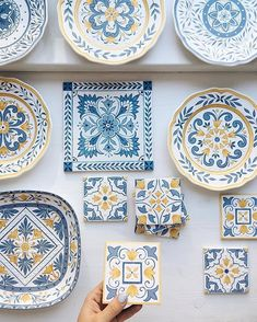 56 creative DIY tableware ideas - Page 50 of 56 Pottery Painting Designs, Paint Designs, Glazes For Pottery, Ceramic Pottery, Ceramic Painting, Ceramic Art, Ceramic Plates, Decorative Plates, Mexican Kitchen Decor