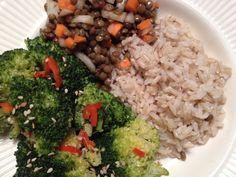 Rijst met broccoli en linzensalade