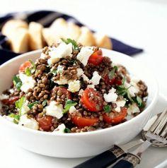 Teplý čočkový salát s fetou Cooking Recipes, Healthy Recipes, Healthy Food, Salad Dressing, Tofu, Feta, Acai Bowl, Breakfast, Dressings