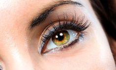 Things You Should Know to Help You Grow Eyelashes Fast