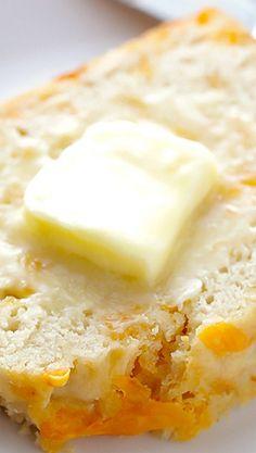 Garlic Cheddar Beer Bread