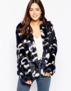 Image 1 - Influence - Manteau fausse fourrure à imprimé camouflage