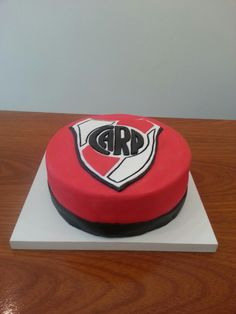 Torta de river Plates, Desserts, Food, Birthday Cakes For Girls, Cake Party, Licence Plates, Tailgate Desserts, Plate, Deserts