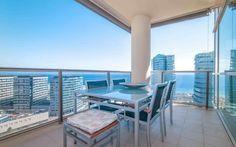 Piso en #alquiler #DiagonalMar    110 m2. Exclusivo piso alto en Illa del Llac. Amueblado. Exterior, muy soleado y con vistas excepcionales. 3 dormitorios dobles (1 suite), 2 baños, cocina equipada, aire acondicionado, calefacción. Piscina, jardín, gimnasio, pistas de padel y sala de reuniones.     ☎ TC FLATS [934 145 236][info@tcflats.com][Copèrnic 44-bajos Barcelona 08021]  http://qoo.ly/dwgmw