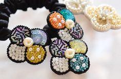 スパンコールの刺繍花モチーフ