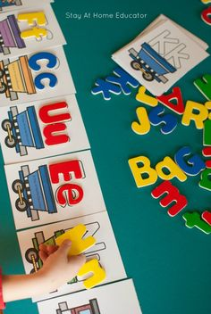 Free printable alphabet train activity for preschoolers