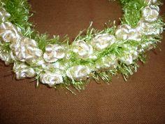 Pikake Flower Lei in Rattail and Eyelash yarn