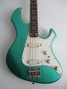 I totally remember that thread but never saw how it ended up. It's a very similar green to my Performer - very unique colour for Fender: Cool! Japanese Guitar, Vintage Bass, Divine Mother, Guitar Building, Bass Guitars, Guitar Design, Toot, Vintage Japanese, Third