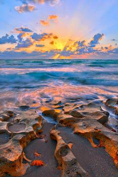 bursting-sunrise-at-carlin-park-in-jupiter-florida-hdr-hdrcustoms-justin-kelefas