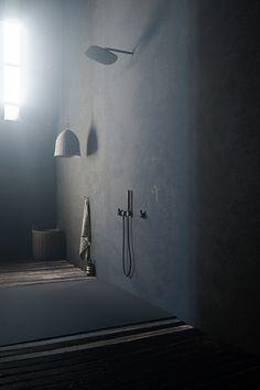 COCOON goes dark! | rustic dark bathroom design | Piet Boon taps and basins | interior design | dark bathroom bycocoon.com | villa bathroom design | loft bathroom design | Dutch Designer Brand COCOON