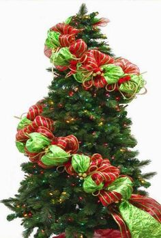 Cómo decorar un árbol con mallas navideñas ~ Solountip.com