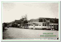 1955: Hotel Borst met een theetuin en Amstelbier. V.r.n.l. Hotel Borst, Bakkerij Beerse, Manufacturen Kroone, onderwijzerswoning en de oude dorpsschool. In de onderwijzers woning woonde rond de vijftiger jaren de Fam Sixma en daarna de Fam.Bosch