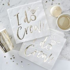 I Do Crew Ginger Ray: Servetten wit-goud - Napkins white and gold. Shop bachelorette Hen party items / shop vrijgezellenfeest decoratie: www. Party Napkins, Wedding Napkins, Napkins Set, Babyshower Party, Hen Party Decorations, Bachelorette Party Supplies, Bachelorette Ideas, Bachlorette Party, Bachelorette Weekend