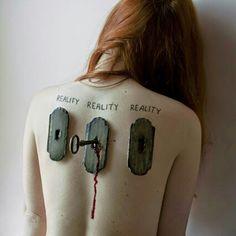 Elisa Scascitelli photography reality