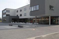 In der Stadtteilschule Arheilgen wurden in den Sommer- und Herbstferien die ehemaligen Werkstatträume zu neuen IT-Räumen und einer Zukunftswerkstatt umgebaut. Die Fertigstellung wurde am heutigen Montag (26.) mit einer Eröffnungsfeier begangen.