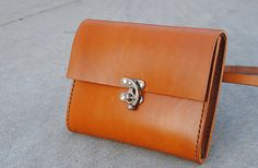 Commuter Leather Hip Pouch