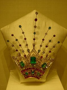 Nizam's Jewels - Timeless Treasures of India Royal Jewelry, I Love Jewelry, Men's Jewelry, Indian Jewelry, Antique Jewelry, Jewelery, Vintage Jewelry, Fine Jewelry, Jewelry Design