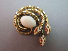 Gorgeous vintage jewelry.
