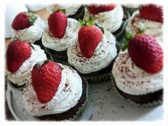 Strawberry cupcakes / Mom day
