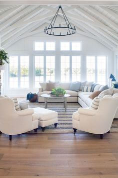 Home Interior Design White house living room decor.Home Interior Design White house living room decor Decor Home Living Room, Coastal Living Rooms, Living Room Remodel, Living Room Interior, Living Room Furniture, Living Room Designs, Room Decor, Cottage Living, Living Room Layouts