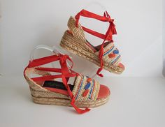 Raffia. 70s shoes / The Wild Pair Vintage 1970s Platform Wedge Espadrille Shoes. Made in Spain. Marked a size 7 b. they appear to never been worn.