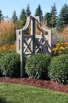 LA DOLFINA, Yardestry products.Yardistry Tuteur- This unique trellis fans in four directions creating a stunning focal point to the garden. $158.96