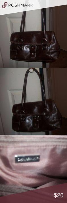giani bernini pocketbook Giani Bernini leather pocketbook in excellent condition. Giani Bernini Bags Crossbody Bags