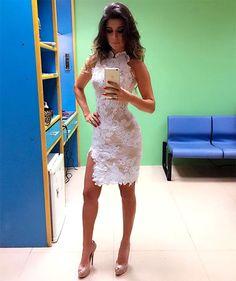e83d21f95e Paula Fernandes arrasa com look transparente  veja foto Vestido De Festa