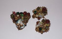 VINTAGE BROOCH & EARRINGS MIRIAM HASKELL? FILIGREE GLASS LEAVES WIRED GOLD TONE #Unbranded
