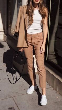 99 Trendy Spring Work Outfits Ideas To Achieve A Career – Outfits for Work - Fashion City Blazer Outfits Casual, Business Casual Outfits, Professional Outfits, Classy Outfits, Trendy Outfits, Fashion Outfits, Chic Outfits, Sweater Outfits, Business Professional