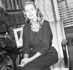 Dedicated to Grace Patricia Kelly Grimaldi American actress and Princess consort of Monaco, and her family Monaco As, Monaco Royal Family, Princess Grace Kelly, Princess Mary, Examples Of Behavior, How To Be Graceful, Hollywood Cinema, Female Stars, Vintage Girls