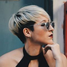 10 Short Hairstyles for Women Over