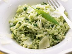 Bärlauch-Risotto - smarter - Kalorien: 370 Kcal - Zeit: 50 Min.   eatsmarter.de