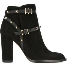 Valentino Garavani 'Rockstud' boots (3,790 PEN) ❤ liked on Polyvore featuring shoes, boots, black, black boots, block heel shoes, black leather shoes, kohl shoes and embellished shoes