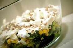 Sałatka z brokułami i serem feta. Palce lizać! - kuchniabazylii.pl - blog kulinarny Polish Recipes, Polish Food, Feta, Healthy Salads, Potato Salad, Mashed Potatoes, Grilling, Grains, Good Food