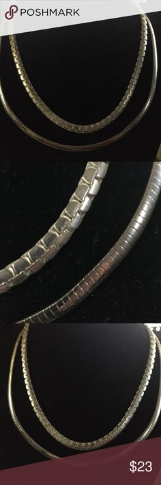 Beautiful vintage herringbone necklace one is Free 18'long really pretty design looks expensive not lLight necklace silver plated 1/4'wide 2 for the price of 1 Jewelry Necklaces