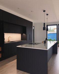 42 inspiring modern luxury kitchen design ideas 6 - Kitchen Ideas - Home Elegant Kitchens, Black Kitchens, Luxury Kitchens, Luxury Kitchen Design, Interior Design Kitchen, Modern Interior Design, Küchen Design, Layout Design, House Design
