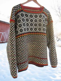 Røros Genser by yarn jungle, via Flickr. Photo only. Norwegian. From Ravelry.
