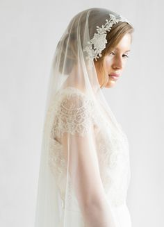 LOVE FIND CO. The AURORA / Chapel Length Wedding Veil with Lace by Percy Handmade