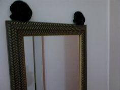 Espelho pintura pátina e aplicações de flores de cetim
