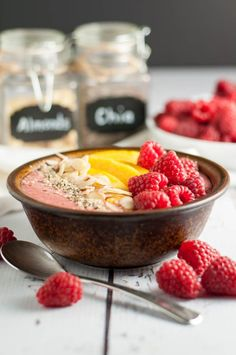 Healthy Peach Melba Breakfast Smoothie Bowl.Paleo! Eat clean with all the benefits of a smoothie, but with the added benefits of fun toppings! |www.flavourandsavour.com