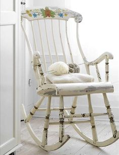 55 Cool Shabby Chic Decorating Ideas | Shelterness -   lovely old rocking chair!