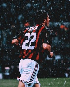 pin by play the percentage football stats strategies Best Football Players, World Football, Football Fans, Soccer Players, Ac Milan, Wallpaper Iphone Quotes Backgrounds, Wallpapers, Ricardo Kaka, Milan Wallpaper