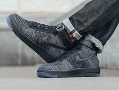 Nike Air Force 1 Flyknit: Black