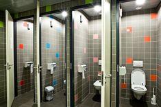 Greetz Offices in Amsterdam / Design Stars Pactor Washroom Design, Toilet Design, Bath Design, Gym Design, School Design, Wc Public, Office Layout Plan, School Bathroom, Changing Room