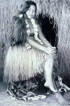 Photo of c.1932 Black and white photograph, Aliiolani Wahinema, Beautiful Hawaiian girl, Bert Covell