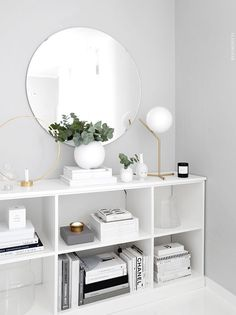 25 ways your living room make feel bigger and comfy with round mirrors 11 Living Room Mirrors, Living Room Decor, Bedroom Decor, New Room, Home Decor Inspiration, Decor Ideas, Room Ideas, Round Mirrors, Swedish Interior Design