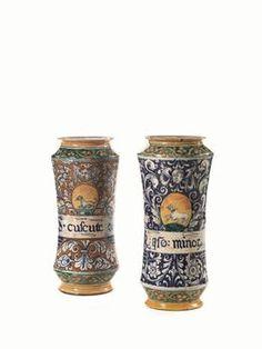 Pepper Grinder, Planter Pots, Pottery, Porcelain Ceramics, Pharmacy, Ceramica, Pottery Marks, Ceramic Pottery, Pots