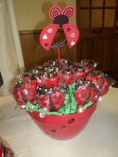 #Ladybug chocolate lollipop bouquet by JP's Chocolate Tree #These-2-Hands #Candytable
